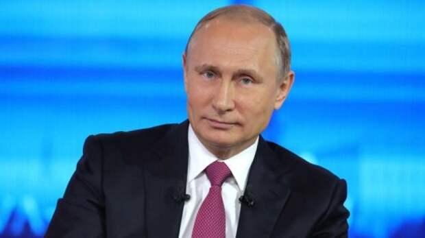 Путин заявил о большом количестве информационного мусора