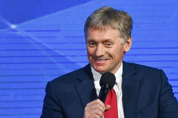 Песков ответил на вопрос о прививке Путина от COVID-19