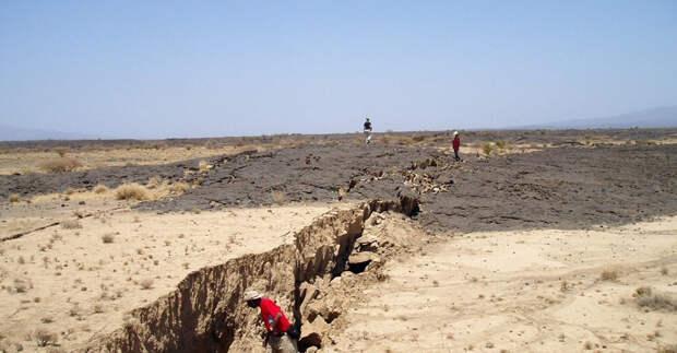 Посреди пустыни рождается новый океан: Африка разделяется на две части