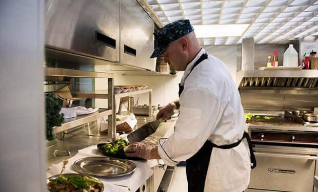Как устроена кухня и столовая на атомной субмарине ценой в 2,7 миллиарда долларов