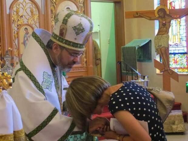 показания как просить благословение у батюшки