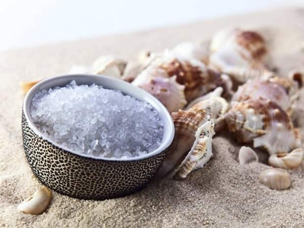 Новые данные Реальная опасность соли все еще обсуждается среди ученых. По сравнению с другими пороками, соль не слишком вредна. Последние исследования в области гипертонии показывают, что алкоголь и диета имеют куда большее влияние на здоровье чем избыток соли.