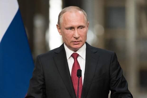 Беспомощный Трамп едет «на ковер» к Владимиру Путину