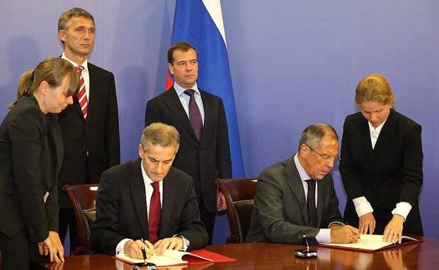 Медведев подарил Норвегии земли, равные по площади двум Московским областям