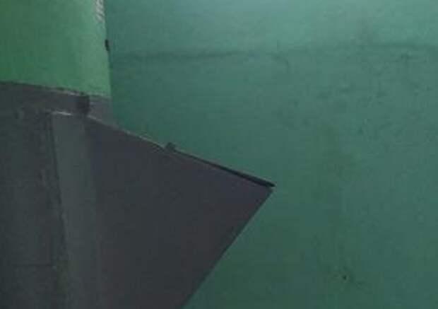 В доме на Абрамцевской прочистили мусоропровод