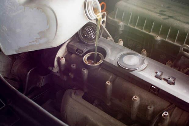 Черное масло в двигателе: стоит ли волноваться