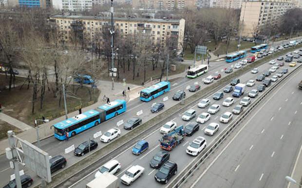 ЦОДД советует не ездить за рулем на юго-восток Москвы