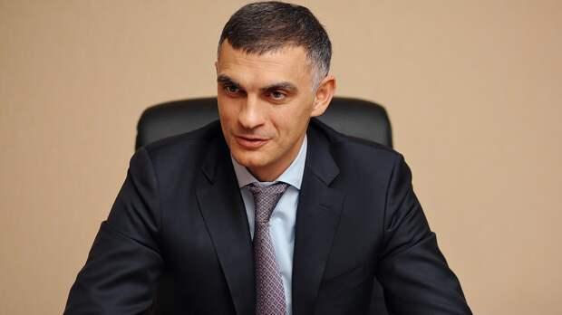 Спустя полгода Габулов ушел споста министра спорта Осетии. Теперь онбудет возрождать «Аланию»