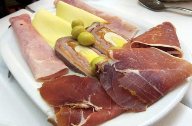 10 опасностей скрытых в тарелке с едой