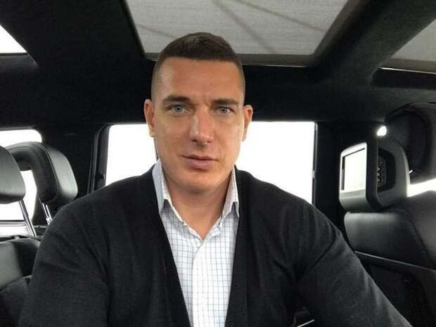 Сменившего имидж мужа Ксении Бородиной назвали двойником актера Александра Петрова