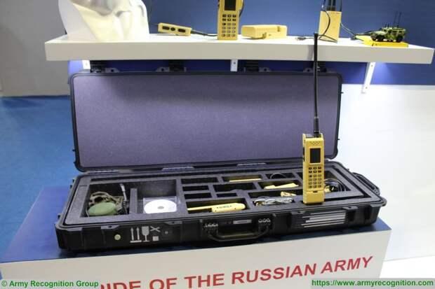 """ФСБ арестовала француза за попытку вывезти из РФ военные радиостанции """"Азарт"""""""