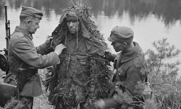 Советы маскировки Красной Армии: солдат учили притворяться пнем