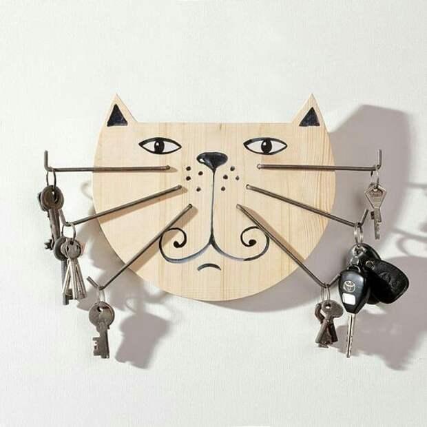 Кот - ключница