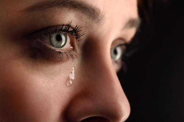 Как женщине манипулировать мужчинами: девять приемов