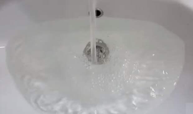 Вот как быстро прочистить раковину, если вода перестала уходить в слив