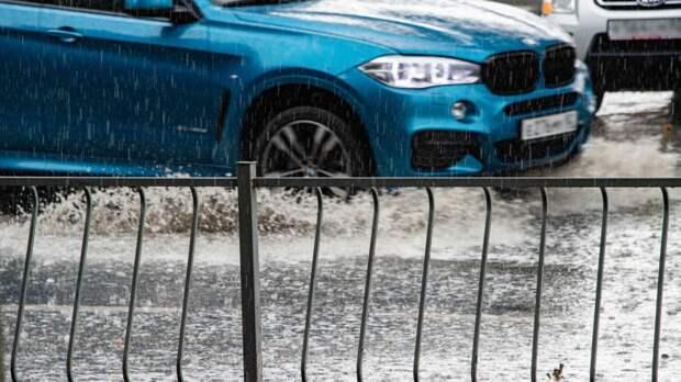 В Сочи объявили штормовое предупреждение из-за смерчей, селей и ливней