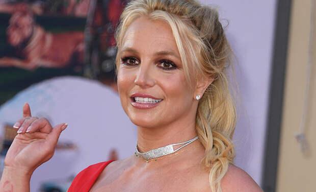 Отец Бритни Спирс требует от нее отступные в размере 2 миллионов долларов