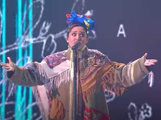 Манижа сменила наряд прямо на сцене «Евровидения»