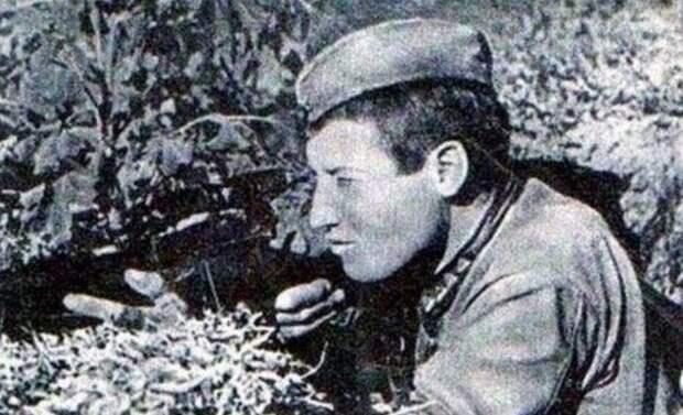 Среди немцев ходили легенды о несокрушимости советского бойца, но мы-то знаем, что никакие это не байки