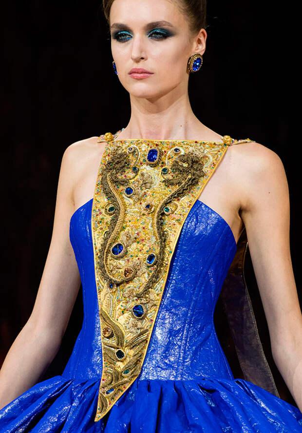 Роскошное платье Guo Pei 2016-2017