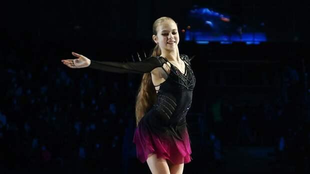 Трусова исполнила 5 четверных прыжков в произвольной программе на ЧМ. Видео проката