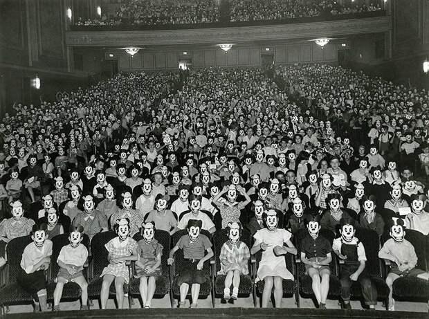 Встреча фан-клуба Микки Мауса. 1930-е годы.