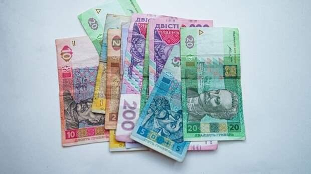 В 2020 году украинская гривня упала к доллару почти на 20 процентов