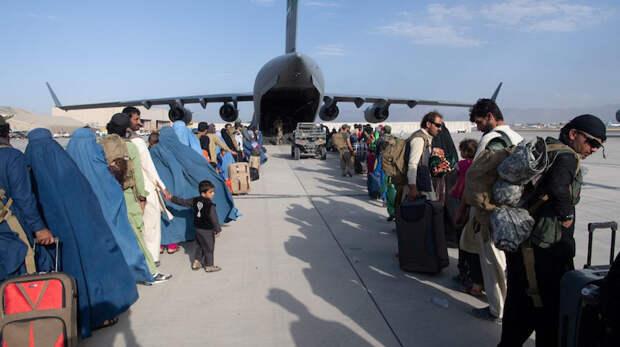 Взрывы в аэропорту Кабула: Число погибших выросло до 170