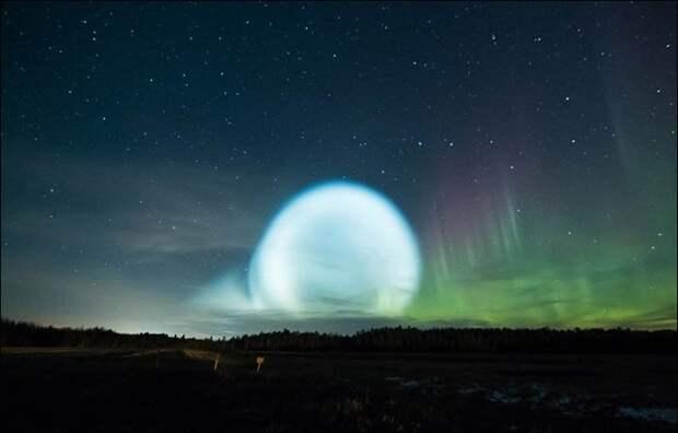 Необычные явления связаны с запусками Россией сразу нескольких межконтинентальных баллистических ракет / ©twitter
