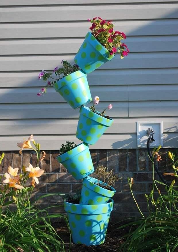 Цветочные башни: эффектное украшение участка без особых затрат