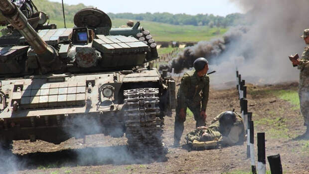 Националисты толкают Зеленского к блицкригу в Донбассе по примеру Карабаха