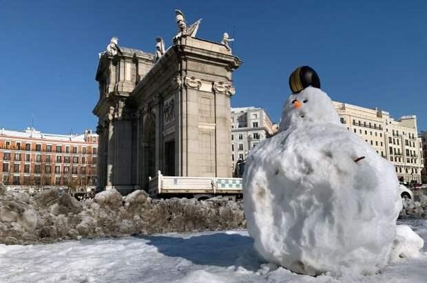 Мадрид хотят объявить зоной катастрофы из-за снегопада