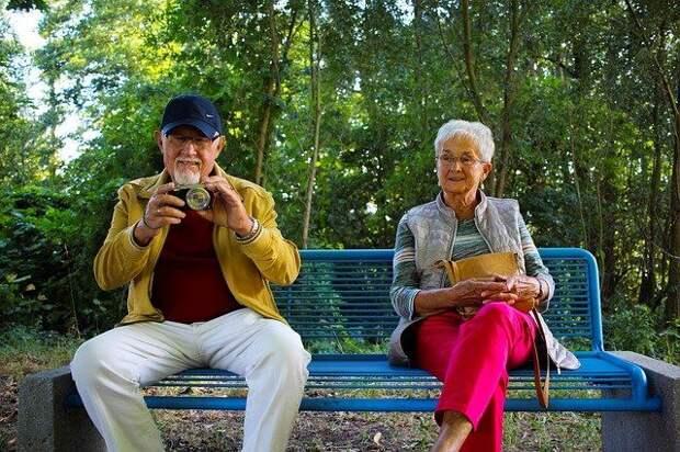 Россияне назвали доход, необходимый для накоплений в старости