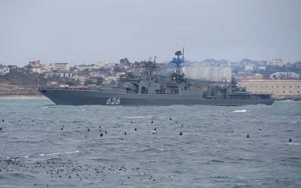 Испания не пустила российские боевые корабли в свой порт