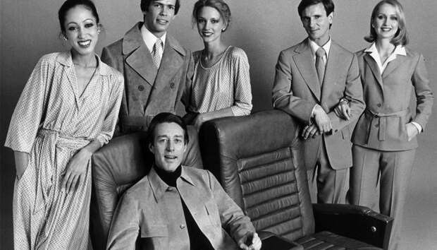 5 дизайнеров, которые создавали униформу для авиакомпаний