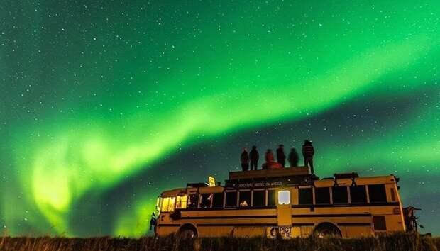 Необычный хостел The Nomads Bus организовывает туры в любую точку Европы.