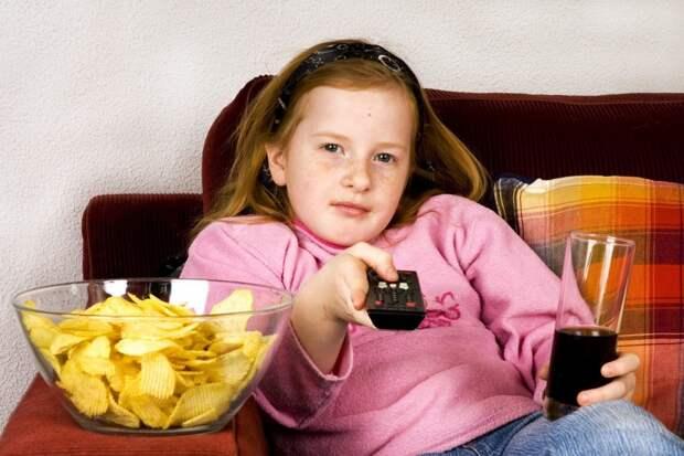 Учёные нашли связь между лишним весом детей и нервозностью их родителей