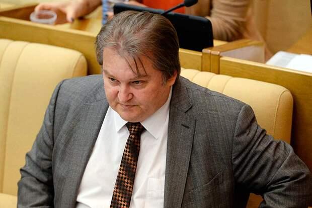 Справедливоросс Емельянов осудил высказывания Зюганова о возможности проведения досрочных выборов президента в России