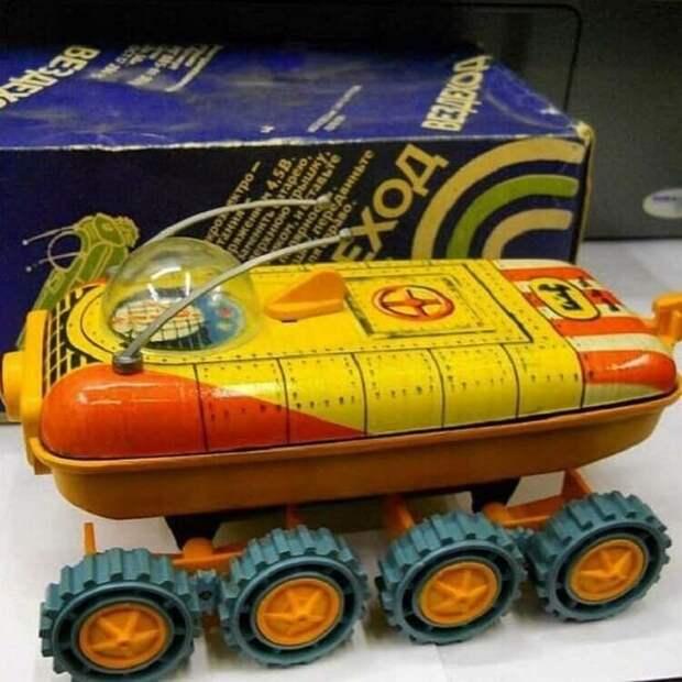 2. Вездеход, да еще и лунный - предел мечтаний детские игрушки, игрушки ссср, ностальгия, раритет, фото