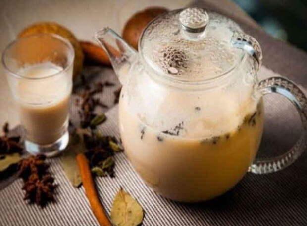 «Горячее» молоко от вирусов, простуд и для очищения сосудов