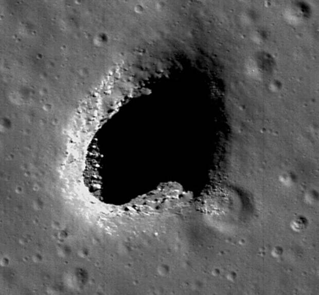 Мифы о Луне. Лунный заговор, полая Луна, русские на Луне 1