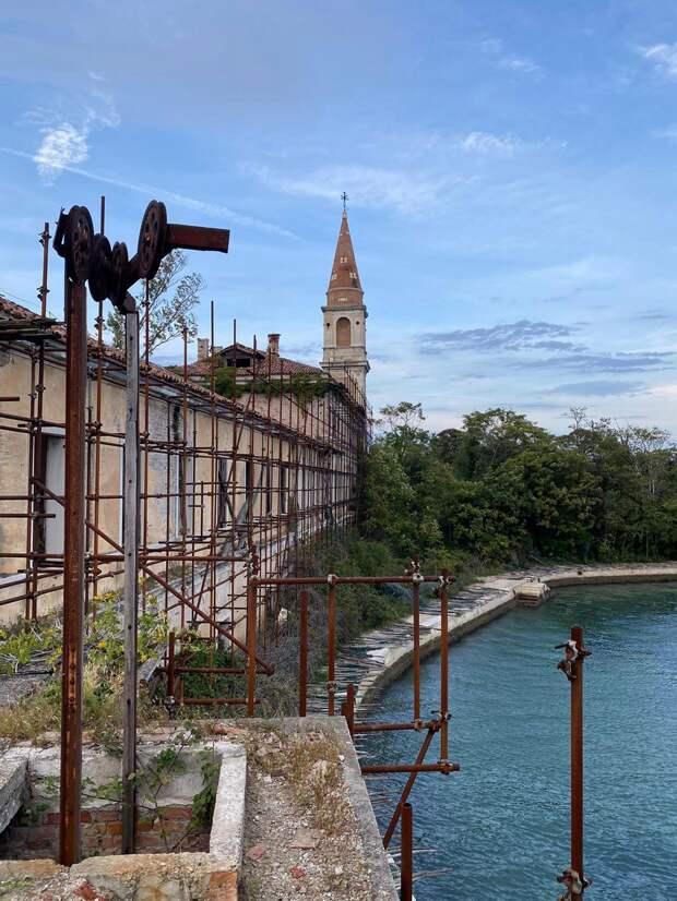 Мрачная прогулка по итальянскому «чумному острову»