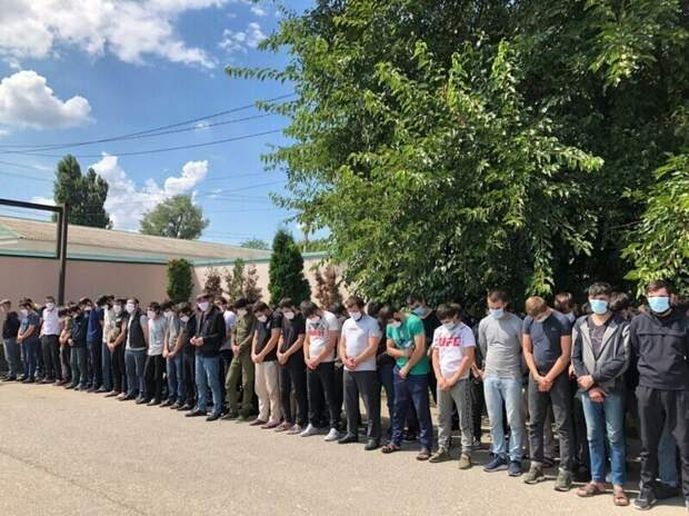 Кадыров вернул сотню чеченцев из Москвы домой для нкаказания