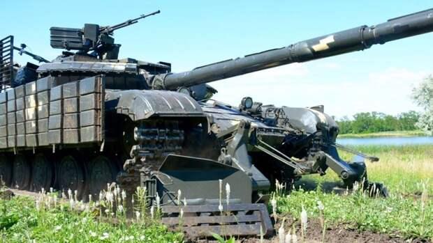 Наблюдатели ОБСЕ обнаружили в Донбассе странные украинские танки