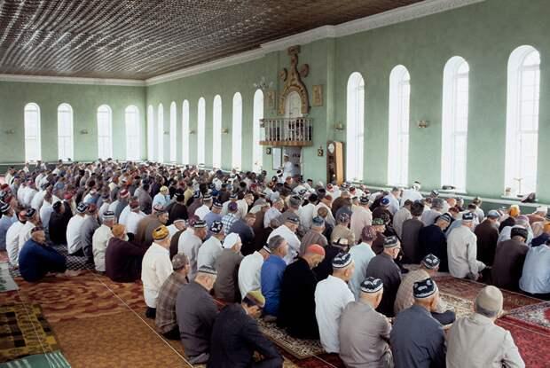 Мечеть в Чечне, конец 1980-х