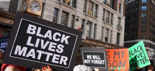 Белые – на колени! Эпидемия Black Lives Matter добралась до России