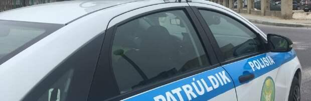 В Актау водитель авто врезался в остановку