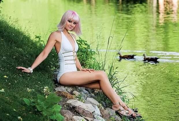 Популярная в 90-ых певица Натали во всей своей красе.