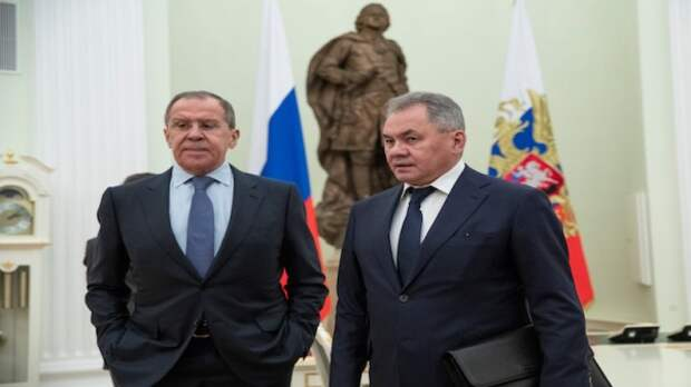 Визит Лаврова иШойгу вТурцию отложен без объяснения причин