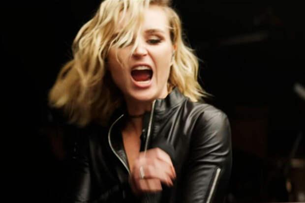 Полина Гагарина исполнила метал-песню Limp Bizkit и прослыла смелой певицей
